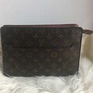 💯 Authentic Louis Vuitton Pouch Clutch